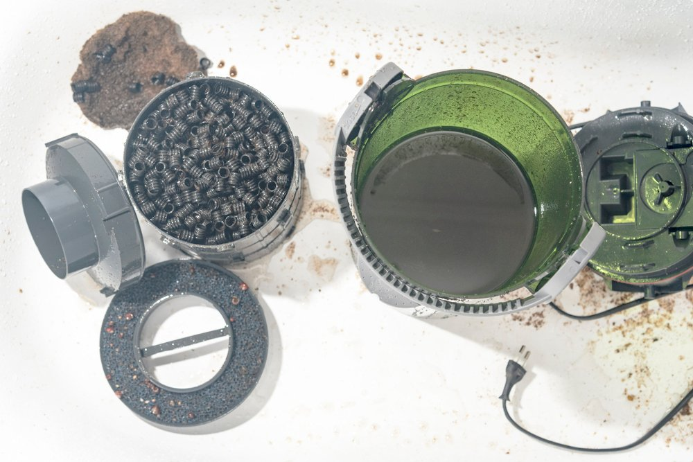 An aquarium filter - an essential piece of aquarium equipment